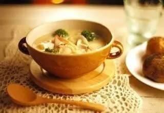 秋冬季容易口干、皮肤干燥?试试这三款润肺健脾汤