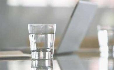 每天早上的第一杯水 应该怎么喝?