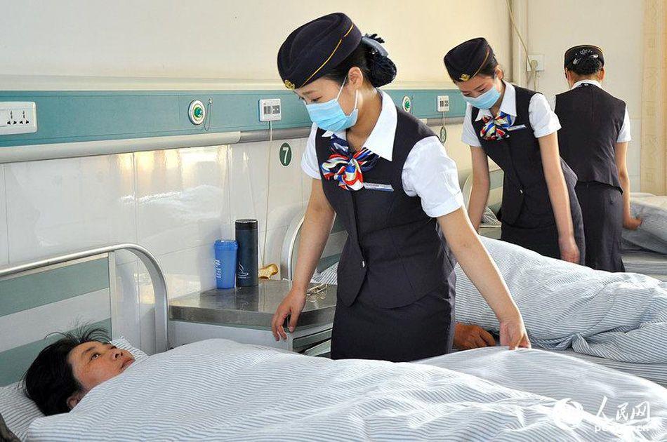 江苏一医院护士穿空姐制服上岗