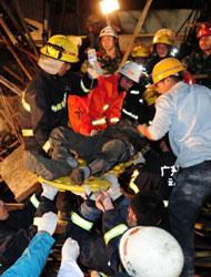 广东云浮一在建筑工地发生坍塌