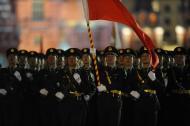 俄罗斯举行红场阅兵夜间彩排 中国方阵亮相