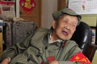 俄方为97岁中国老兵颁发卫国战争胜利纪念章